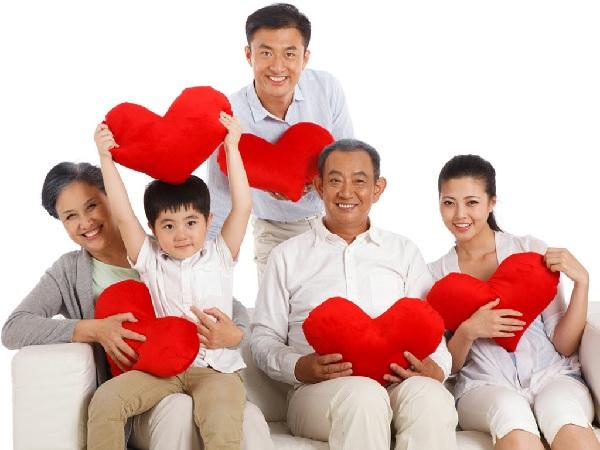 bao hiem suc khoe danh cho nguoi gia 2 Có nên mua bảo hiểm sức khỏe cho người già?